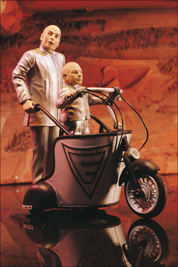 "8"" Austin Powers -Dr. Evil & Mini-Me with Mini Mobile"