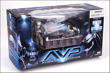 "8"" McFarlane Toys AvP Series 2: Birth of the Hybrid Box Set"