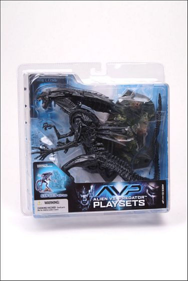 "8"" McFarlane Toys AvP Series 2: Alien Queen with Base"