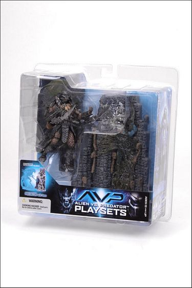 "8"" McFarlane Toys AvP Series 2: Predator with Base"